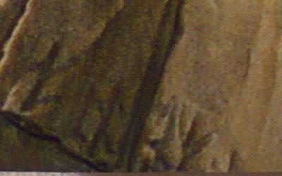 Rovásjelek egy római császár mellszobrán